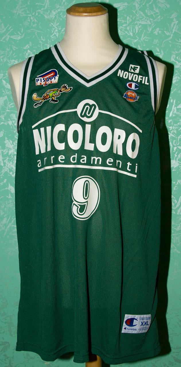 Maglia verde indossata da riccardo esposito nelle partite for Nicoloro arredamenti